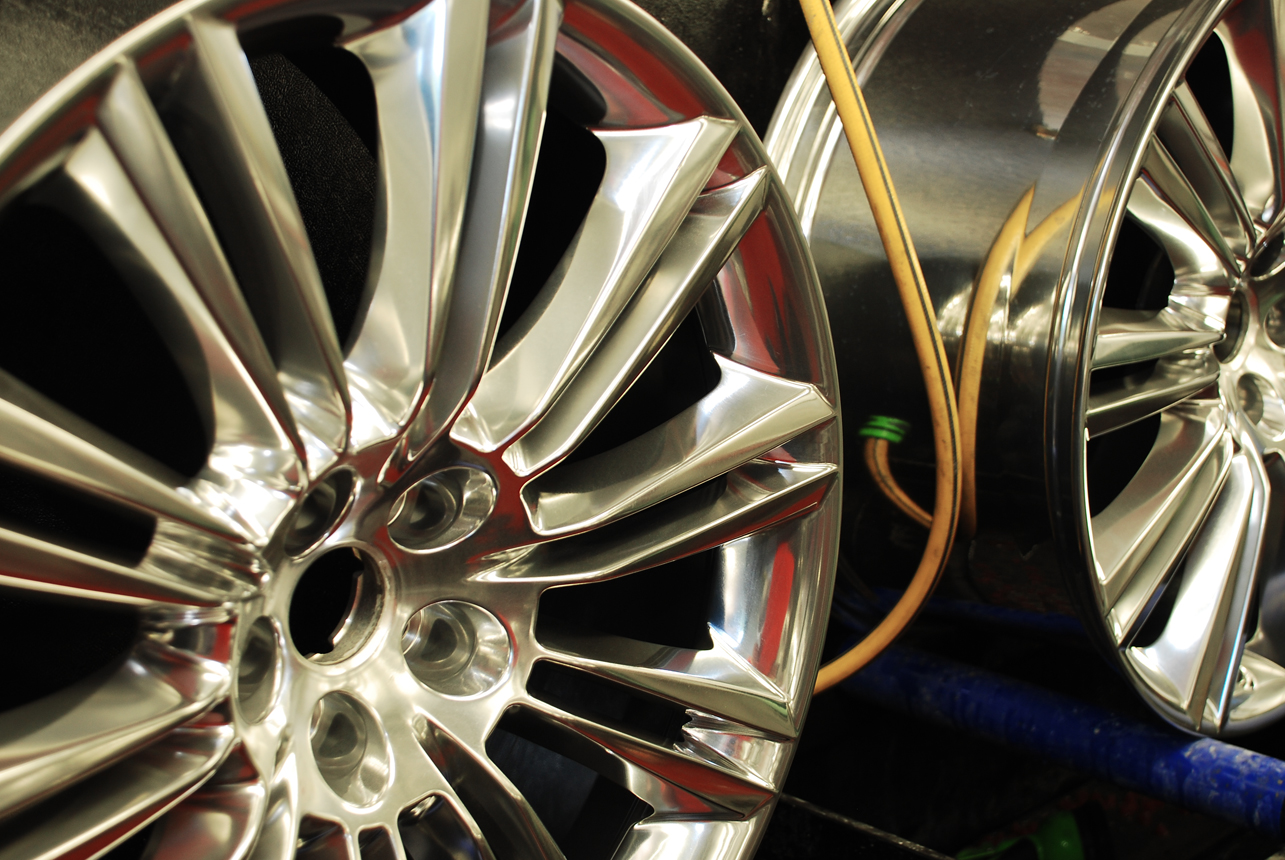 Ceramic alloy wheel polishing