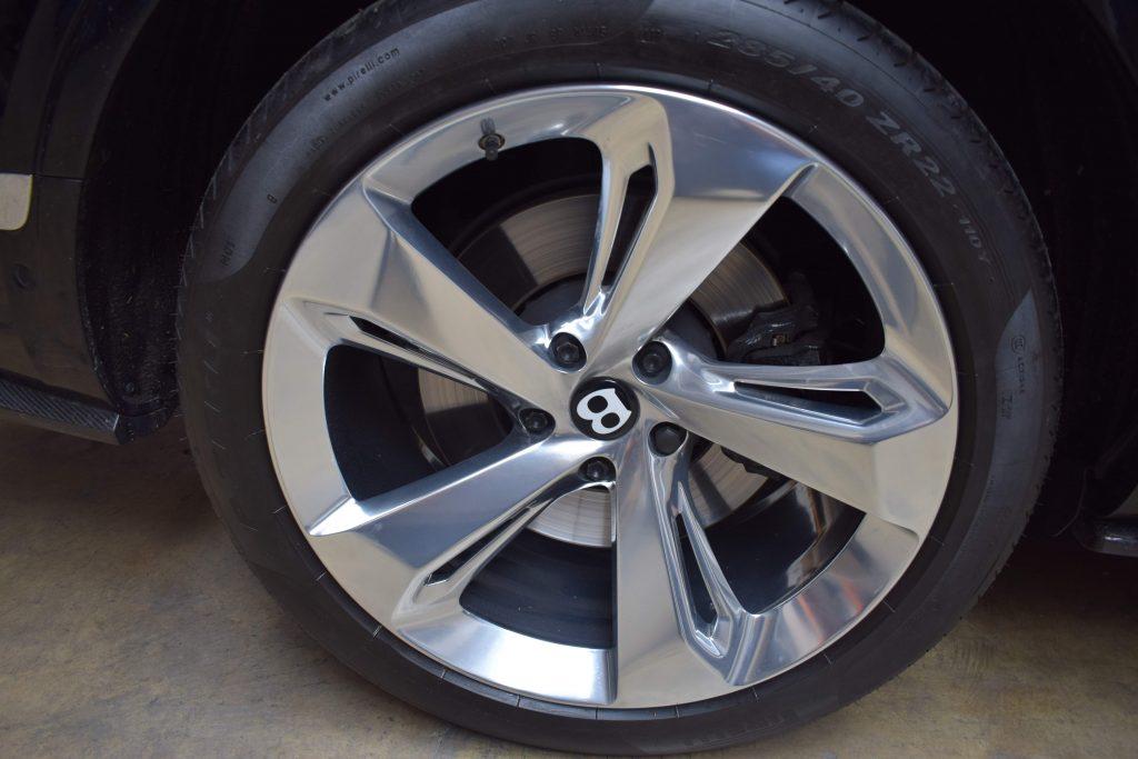 bentley wheels on car